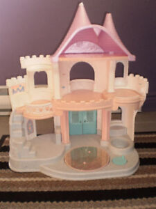 - Kids Princess Castle in Excellent condition  -