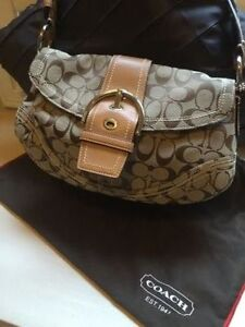 Authentic Coach Purse for Sale - Hardly Worn Cambridge Kitchener Area image 1
