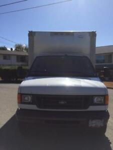 2006 White Ford E-350 Super Duty Van RWD