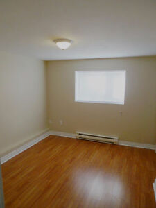 2 Bedroom Apartment in Airport Heights Internet Included