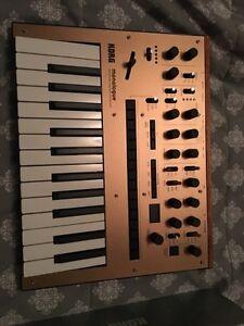 Korg - Monologue Mini Monophonic Analogue - Synthesizer - Gold