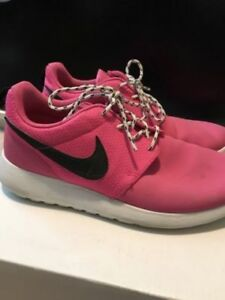 Nike women Roshe Run shoes