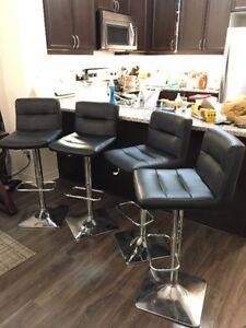 Bar stools from bouchair like new