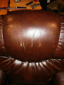 Lay-Z-Boy Recliner - NEGOTIABLE St. John's Newfoundland image 2