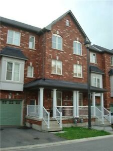 TOWNHOUSE, 3 Bed, 3 Bath, Private Driveway, Must See!