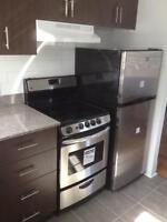 BRAND NEW! COMPLETELY RENOVATED & BRIGHT 4.5 - WESTMOUNT