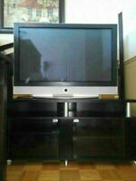 TV PLASMA SAMSUNG + MEUBLE EN BOIS NOIR 350$