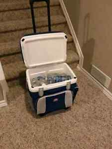 Rolling Cooler with extendable handle  Kitchener / Waterloo Kitchener Area image 2
