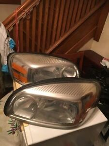 Headlights for Montana uplander & terraza with bulbs