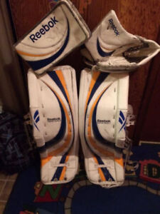 Reduced price Reebok pads with matching gloves