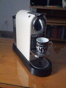 Nespresso maker D 110 in perfect condition,,,like New