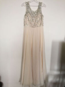 ***BEAUTIFUL J'ADORE DRESS WORN ONLY ONCE***