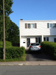 179 Doyle St - Cozy Family Home/Fenced Back Yard/Pet Friendly