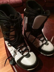 New Size 9 Morrow Women's Snowboard Boots