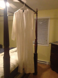Jones New York lace robe and lace gown