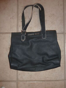 Various handbags $ 5 - $ 55 (DKNY, Armani, GUESS, no name) Kitchener / Waterloo Kitchener Area image 2