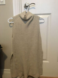 LIKE NEW DURANDAL KNIT SWEATER ARITZIA XXS CREAM
