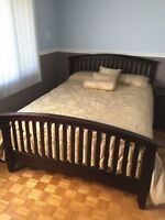 SET DE CHAMBRE, LIT QUEEN+2 TABLE DE CHEVET+COMMODE 6 TIRROIRS S