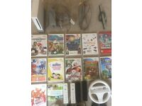 Nintendo Wii Console Bundle 4 Controllers 12 Games