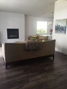 **Beautiful, 2 Bedroom, Close to Downtown**