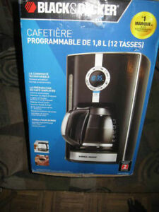 Coffee Maker Black & Decker CM1650B Black 12-Cup Programmable