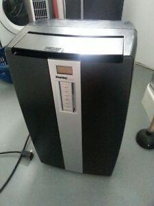 Danby Designer 12000 BTU Climatiseurs portatif (DPA120A1BD)