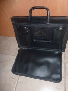 Faux leather briefcase Kitchener / Waterloo Kitchener Area image 2