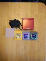 Red Nintendo Gameboy Advance SP + 3 Gameboy Games