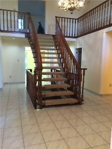 Large house for Rent in Thornhill