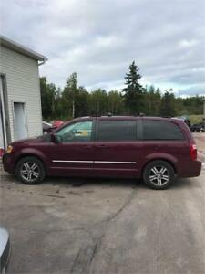 2009 Dodge Grand Caravan SE FINANCING AVAILABLE!!