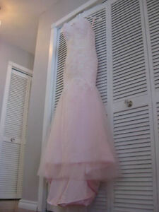 Stunning Wedding Gown! Dusty Rose Color Fit and Flare!