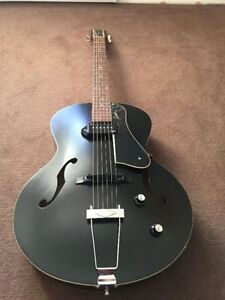 Godin 5th Avenue Kingpin P90 with Case BRAND NEW!
