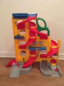 Fisher Price wheelies stand 'n play rampway. AVAILABLE