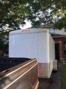 Enclosed trailer 14ft (Tools included) price is negociable