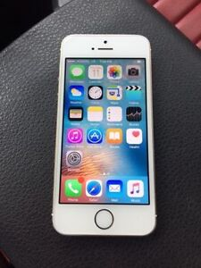 WHITE Apple iPhone 5S 16 GB - Bell & Virgin