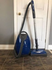 KENMORE CANISTER BAGGED VACUUM- BLUE (23119)- mnx