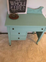 Lovely Annie Sloan Chalk Painted Antique Vanity/Table!