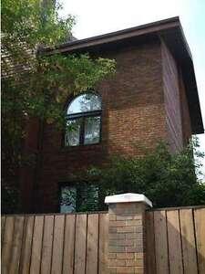 Executive townhouse on Rowland Rd!!! 4 decks,1800 sf, wood f/p