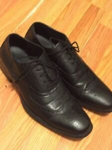 Kennoth Cole Black Leather Wingtip Dress Shoes