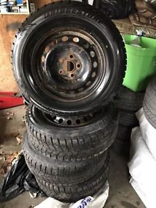 Set of winter tires Bridgestone Blizzaks 235/65/16 5x120