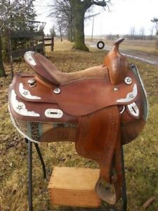 Quality Show Saddles and Trail Saddles