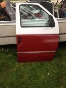 Clubwagon - Econoline - doors,hood, grill & assembly London Ontario image 1