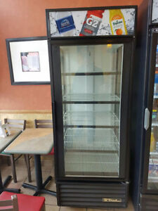 True GDM-26 30″ 1 Door coca cola cooler Merchandiser