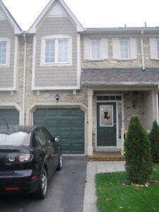 Townhouse for rent Mississauga Levi Creek