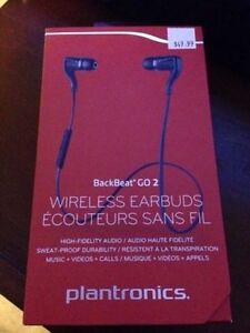 Brand NEW Wireless BLUETOOTH Earphones
