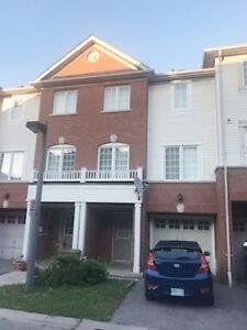SPACIOUS PICKERING FREEHOLD TOWNHOUSE! 3-BEDROOMS 3-BATHS!