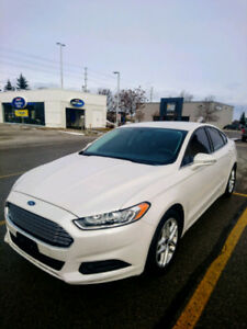 2013 Ford Fusion Sedan **GREAT CONDITION**