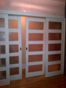4 doors (2 sliding) with frosted glass for sale.