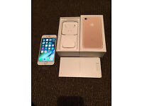 Gold (LIKE NEW) iphone 7 32gb boxed