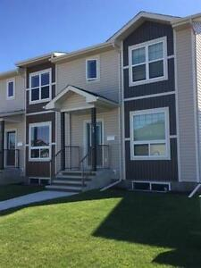 Family Friendly Townhome Close to Public & Catholic Schools